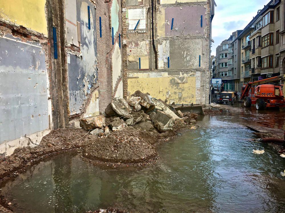 Galeria Inno in Oostende ontruimd door groot waterlek