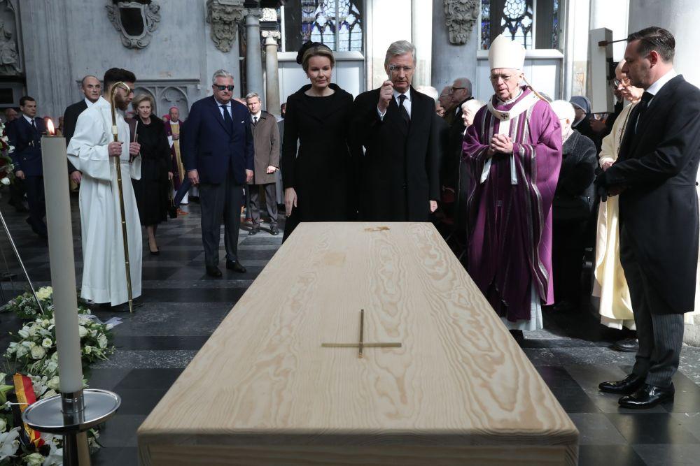 live begrafenis paul severs