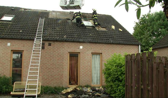 Blikseminslag in toren van Wit Kasteel in Kortrijk   Focus en WTV